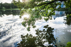 Lago en Catherine Park en Tsarskoe Selo Foto de archivo libre de regalías