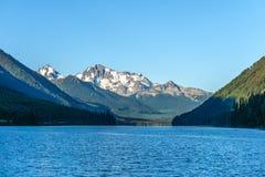 Lago en Columbia Británica, Canadá Duffey en el tiempo del día Imagen de archivo libre de regalías