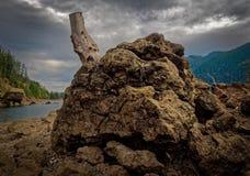 Lago en el agua baja fotografía de archivo libre de regalías
