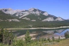 Lago en el país de Kananaskis - Alberta - Canadá Fotos de archivo