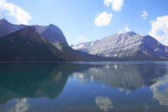 Lago en el país de Kananaskis - Alberta - Canadá Imagenes de archivo