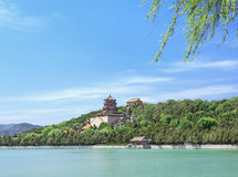 Lago en el palacio de verano majestuoso, Pekín, China kunming foto de archivo libre de regalías
