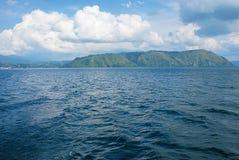 Lago en el parapat, isla de Indonesia Sumatra Fotos de archivo