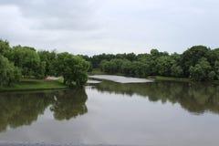 Lago en el parque Foto de archivo libre de regalías