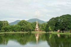 Lago en el parque histórico en sukhothai Fotografía de archivo libre de regalías