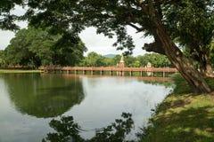 Lago en el parque histórico en sukhothai Imagenes de archivo