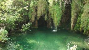 Lago en el parque nacional de Plitvice, Croatia almacen de metraje de vídeo