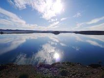 Lago en el sol Foto de archivo libre de regalías