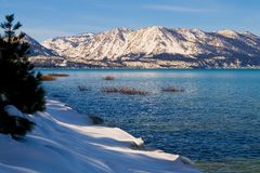 Lago en invierno Imagenes de archivo
