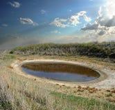 Lago en la estepa del desierto imagenes de archivo