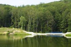 Lago en la montaña Imagen de archivo