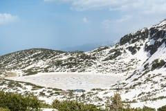 Lago en la montaña de Rila, Bulgaria Fotos de archivo