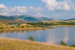 Lago en la montaña de Zlatibor Fotos de archivo libres de regalías