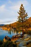 Lago en la puesta del sol Foto de archivo
