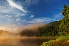 Lago en la salida del sol Imagenes de archivo