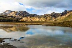 Lago en Landmannalaugar, Islandia Foto de archivo