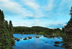 Lago en las colinas Fotografía de archivo