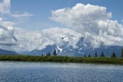 Lago en las montan@as Foto de archivo libre de regalías