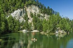 Lago en las rocas de Adrspach-Teplice Imagenes de archivo