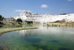 Lago en Pamukkale. Imagenes de archivo