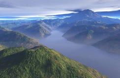 Lago enevoado mountain Imagem de Stock Royalty Free