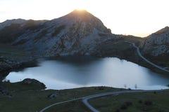 Lago Enol, Cangas de OnAss,西班牙 免版税图库摄影