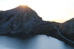 Lago Enol, Cangas de OnÃs, Espagne Photo stock