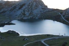 Lago Enol, Cangas de OnÃs, Espanha Fotografia de Stock