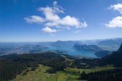 Lago Erbaspagna ed alpi svizzere, vista aerea Fotografie Stock