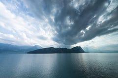 Lago Erbaspagna in Svizzera annuvolamento fotografie stock