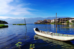 Lago Erhai alla città di Shuanglang Fotografia Stock