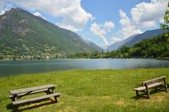 Lago Eriste uma manhã em junho algumas nuvens Fotos de Stock Royalty Free