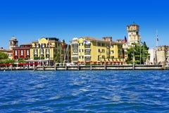 Lago escénico di Garda - Sirmione, Italia Imágenes de archivo libres de regalías