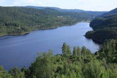 Lago escénico en Noruega Fotos de archivo libres de regalías