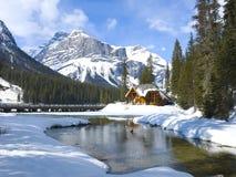 Lago esmeralda, Rockies canadienses Imagen de archivo libre de regalías