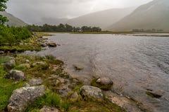 Lago Etive en el MOR de Buachaille Etive en otoño Fotos de archivo libres de regalías