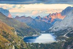 Lago Fedaia, dolomia, Italia Immagine Stock