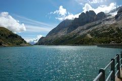 Lago Fedaia, dolomia italiane. Immagini Stock