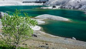 Lago Fedaia Fedaia jezioro, Fassa dolina, Trentino Altowy Adige, sztuczny jezioro i tama blisko Canazei miasta, lokalizować przy  Obrazy Stock
