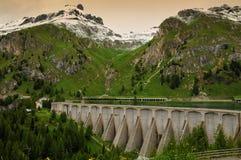 Lago Fedaia no Marmolada, dolomites, Val di Fassa fotos de stock