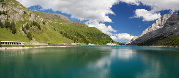 Lago Fedaia, panorama Image stock