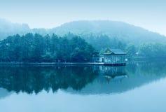 Lago fog Foto de Stock Royalty Free