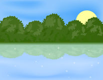 Lago forest sobre el sol Foto de archivo