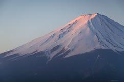 Lago Fuji Kawakuchiko da montanha Fotos de Stock