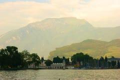 Lago Garda en Italia Fotografía de archivo libre de regalías