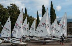 Lago Garda Itália boats de navigação Imagem de Stock