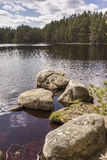 Lago Garten en el parque nacional de Cairngorms Foto de archivo libre de regalías