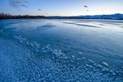 Lago gelado azul foto de stock royalty free