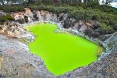 Lago geotermico immagine stock