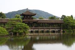 Lago giapponese garden del santuario di Heian Jingu, Kyoto Fotografie Stock Libere da Diritti